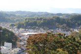【お城山公園】 山頂からは吾妻山、安達太良山や阿武隈の山並みが望め、 三春の城下町一帯も見渡すことができます。